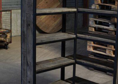 houtvision-sloophout-maatwerk-kast-industrieel-wagonplanken-boekenkast-dichte-zijwanden-staal-robuust-4-2