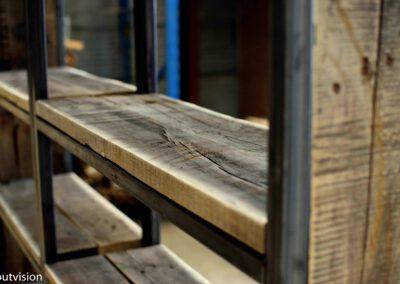 houtvision-sloophout-maatwerk-kast-industrieel-wagonplanken-boekenkast-dichte-zijwanden-staal-robuust-8
