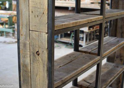 houtvision-sloophout-maatwerk-kast-industrieel-wagonplanken-boekenkast-dichte-zijwanden-staal-robuust-9