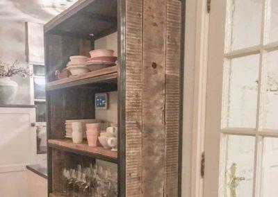 houtvision-sloophout-maatwerk-kast-industrieel-wagonplanken-boekenkast-dichte-zijwanden-staal-robuust-servieskast-buffetkast-productafbeelding