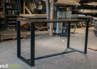 houtvision-sloophout-maatwerk-meubelen-bartafel-statafel-industriehout-industrieel-staal-2-12-staalkokerprofiel-stalen-strip-4