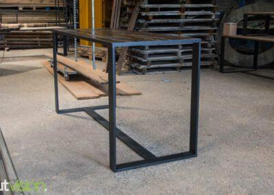 houtvision-sloophout-maatwerk-meubelen-bartafel-statafel-industriehout-industrieel-staal-2-12-staalkokerprofiel-stalen-strip-5