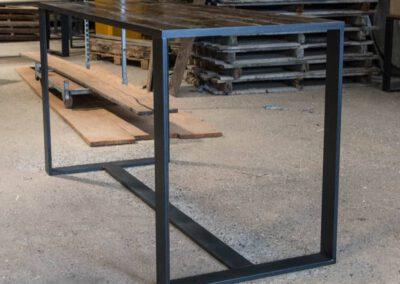 houtvision-sloophout-maatwerk-meubelen-bartafel-statafel-industriehout-industrieel-staal-2-12-staalkokerprofiel-stalen-strip-pa