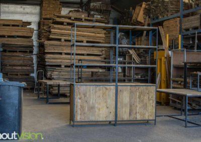 houtvision-sloophout-maatwerk-meubelen-industriele-op-maat-kast-oude-kaasplanken-staal-stalen-frame-twee-delige-oud-hout-wandkast-2