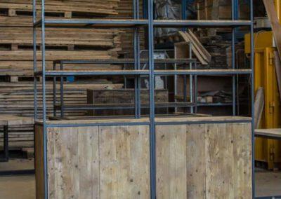 houtvision-sloophout-maatwerk-meubelen-industriele-op-maat-kast-oude-kaasplanken-staal-stalen-frame-twee-delige-oud-hout-wandkast-pa