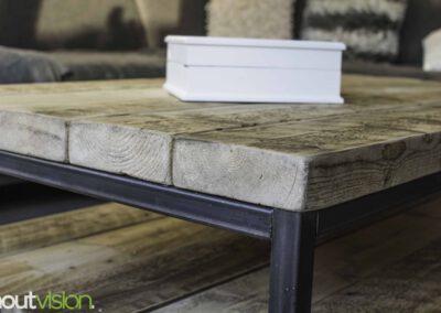 houtvision-sloophout-maatwerk-meubelen-op-maat-badding-balken-hout-zware-robuust-salontafel-staal-onderstel-frame-zwart-twee-laags-5