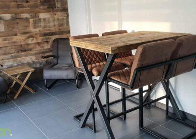 houtvision-sloophout-maatwerk-meubelen-op-maat-bartafel-steigerhout-staal-stalen-x-frame-kruispoten-industrieel-oud-gebruikt-hout