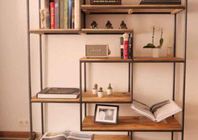 houtvision-sloophout-maatwerk-meubelen-op-maat-gebruikt-hout-kast-boeddha-vakken-industriele-vakkenkast-ontspijkerde-pallet-planken-staal-frame-3