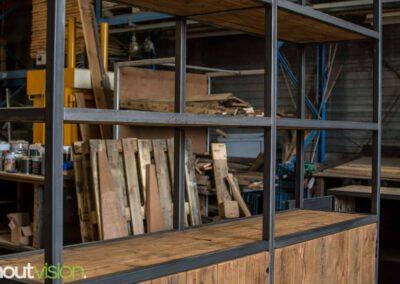 houtvision-sloophout-maatwerk-meubelen-op-maat-grote-xl-kast-duurzaam-plato-hout-mangohout-look-a-like-staal-stalen-frame-industrieel-2