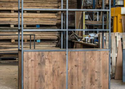 houtvision-sloophout-maatwerk-meubelen-op-maat-grote-xl-kast-duurzaam-plato-hout-mangohout-look-a-like-staal-stalen-frame-industrieel-6