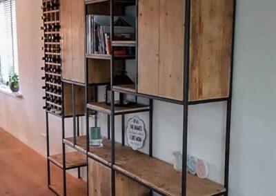 houtvision-sloophout-maatwerk-meubelen-op-maat-industrieel-kaasplanken-vakken-open-kast-deurtjes-wijnrek-planken-stel-zelf-samen-2