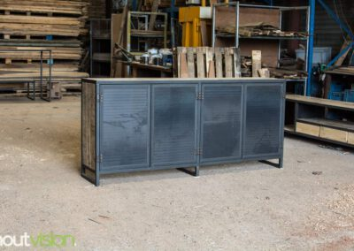 houtvision-sloophout-maatwerk-meubelen-op-maat-industrieel-kast-dressoir-industrie-hout-oud-gebruikt-stalen-deuren-staal-frame-2