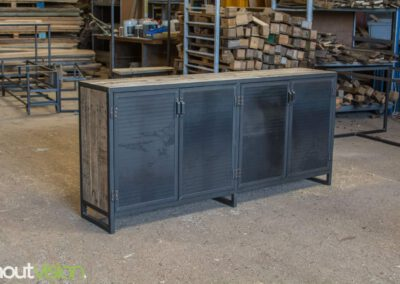 houtvision-sloophout-maatwerk-meubelen-op-maat-industrieel-kast-dressoir-industrie-hout-oud-gebruikt-stalen-deuren-staal-frame-4