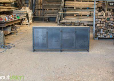 houtvision-sloophout-maatwerk-meubelen-op-maat-industrieel-kast-dressoir-industrie-hout-oud-gebruikt-stalen-deuren-staal-frame