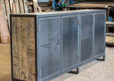 houtvision-sloophout-maatwerk-meubelen-op-maat-industrieel-kast-dressoir-industrie-hout-oud-gebruikt-stalen-deuren-staal-frame-pa