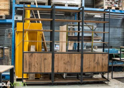 houtvision-sloophout-maatwerk-meubelen-op-maat-industrieel-kast-modulaire-vakken-planken-deuren-opbergen-staal-stalen-frame-1