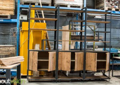 houtvision-sloophout-maatwerk-meubelen-op-maat-industrieel-kast-modulaire-vakken-planken-deuren-opbergen-staal-stalen-frame-6