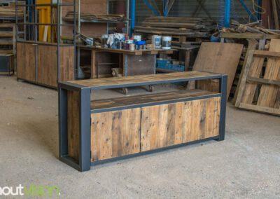houtvision-sloophout-maatwerk-meubelen-op-maat-industrieel-oud-gebruikt-hout-pallethout-stalen-frame-stoer-uniek-kast-dressoir-tv-meubel-universeel-1-1