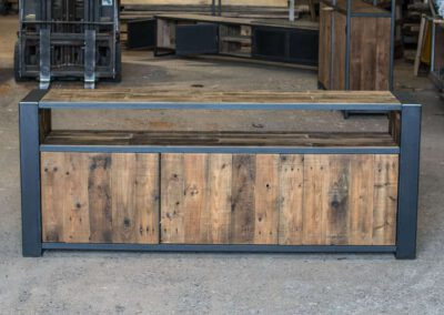 houtvision-sloophout-maatwerk-meubelen-op-maat-industrieel-oud-gebruikt-hout-pallethout-stalen-frame-stoer-uniek-kast-dressoir-tv-meubel-universeel-4