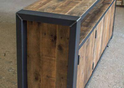 houtvision-sloophout-maatwerk-meubelen-op-maat-industrieel-oud-gebruikt-hout-pallethout-stalen-frame-stoer-uniek-kast-dressoir-tv-meubel-universeel-6