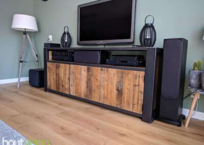 houtvision-sloophout-maatwerk-meubelen-op-maat-industrieel-oud-gebruikt-hout-pallethout-stalen-frame-stoer-uniek-kast-dressoir-tv-meubel-universeel-7