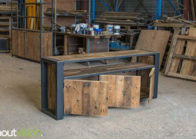 houtvision-sloophout-maatwerk-meubelen-op-maat-industrieel-oud-gebruikt-hout-pallethout-stalen-frame-stoer-uniek-kast-dressoir-tv-meubel-universeel