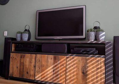 houtvision-sloophout-maatwerk-meubelen-op-maat-industrieel-oud-gebruikt-hout-stalen-frame-uniek-kast-dressoir-tv-meubel-universeel