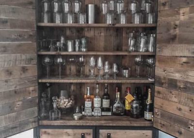 houtvision-sloophout-maatwerk-meubelen-op-maat-industrieel-staal-pallet-hout-wijnrek-dichte-deuren-pallethout-kast-productafbeelding