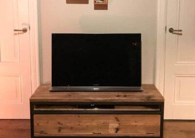 houtvision-sloophout-maatwerk-meubelen-op-maat-industrieel-tv-meubel-staal-hout-klep-plato-productafbeelding
