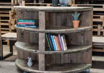 houtvision-sloophout-maatwerk-meubelen-op-maat-industrieel-winkel-bedrijven-unieke-kabelhaspel-kast-pa