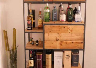houtvision-sloophout-maatwerk-meubelen-op-maat-industriele-bar-kast-gebruikt-oud-hout-ontspijkerde-pallet-planken-staal-frame-stalen-klep-3