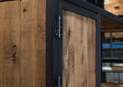 houtvision-sloophout-maatwerk-meubelen-op-maat-kast-vakkenkast-industrieel-plato-hout-staal-hoekprofiel-lade-deurtjes-1