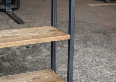 houtvision-sloophout-maatwerk-meubelen-op-maat-open-kast-vakken-boeken-pallet-hout-oud-gebruikt-geleefd-planken-staal-hoekprofiel-industrieel-1