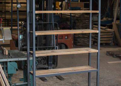houtvision-sloophout-maatwerk-meubelen-op-maat-open-kast-vakken-boeken-pallet-hout-oud-gebruikt-geleefd-planken-staal-hoekprofiel-industrieel-2