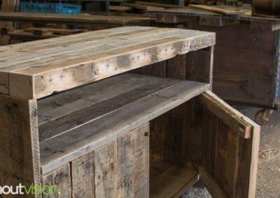 houtvision-sloophout-maatwerk-meubelen-op-maat-oud-gebruikt-hout-industrieel-industriehout-balken-oude-haven-1