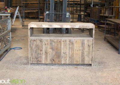 houtvision-sloophout-maatwerk-meubelen-op-maat-oud-gebruikt-hout-industrieel-industriehout-balken-oude-haven-3