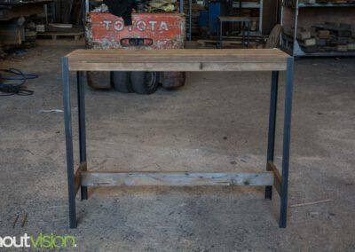 houtvision-sloophout-maatwerk-meubelen-op-maat-plato-hout-hoekprofiel-sidetable-roodbruin-staal-zwart-industrieel-budget-1