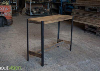 houtvision-sloophout-maatwerk-meubelen-op-maat-plato-hout-hoekprofiel-sidetable-roodbruin-staal-zwart-industrieel-budget-3