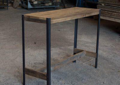 houtvision-sloophout-maatwerk-meubelen-op-maat-plato-hout-hoekprofiel-sidetable-roodbruin-staal-zwart-industrieel-budget-pa