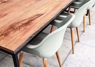 houtvision-sloophout-maatwerk-meubelen-op-maat-tuin-buiten-tafel-eettafel-meerpalen-hout-stalen-onderstel-staal-industrieel-hardhout-basralocus-1