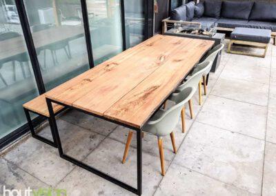 houtvision-sloophout-maatwerk-meubelen-op-maat-tuin-buiten-tafel-eettafel-meerpalen-hout-stalen-onderstel-staal-industrieel-hardhout-basralocus-2