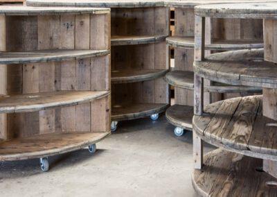houtvision-sloophout-maatwerk-meubelen-op-maat-unieke-kabelhaspel-kast-industrieel-bedrijven-winkel-boekenkast-bb