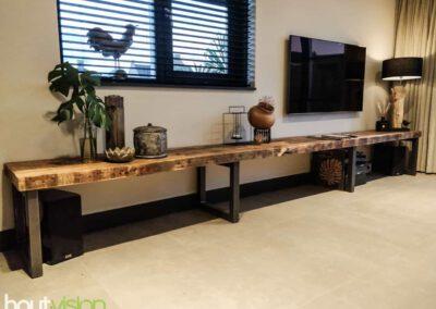 houtvision-sloophout-maatwerk-oude-haven-balken-tv-meubel-staal-frame-woonkamer-1