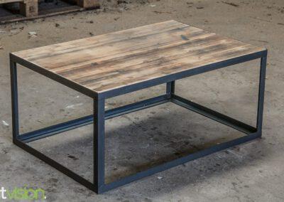 houtvision-sloophout-maatwerk-salontafel-tafel-staal-stalen-hoekprofiel-oude-kaasplanken-slank-modern-industrieel-2