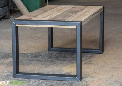 houtvision-sloophout-maatwerk-tafels-industrieel-eettafel-gebruikt-hout-balken-oude-kaaspakhuis-stalen-staal-onderframe-onderstel-tafelpoot-frame-dichte-5