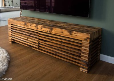 houtvision-sloophout-maatwerk-tv-meubel-pallethout-apart-tvmeubel-douwe-egberts-stoer-3