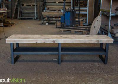 houtvision-sloophout-maatwerk-tv-meubel-staal-zwart-balkenhout-oud-gebruikt-hout-industrieel-1