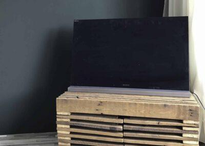 houtvision-sloophout-maatwerk-tvmeubel-tv-meubel-pallethout-douwe-egberts-balken-hout-stoer-apart