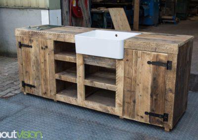 houtvision-sloophout-meubelen-maatwerk-tuin-buiten-keuken-buitenkeuken-gebruikt-oud-hout-wasbak-gasfornuis-gaspitten-steigerhout