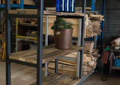 houtvision-sloophout-meubelen-op-maat-maatwerk-kast-industrieel-robuust-open-metalen-wandkast-stellingkast-boekenkast-1